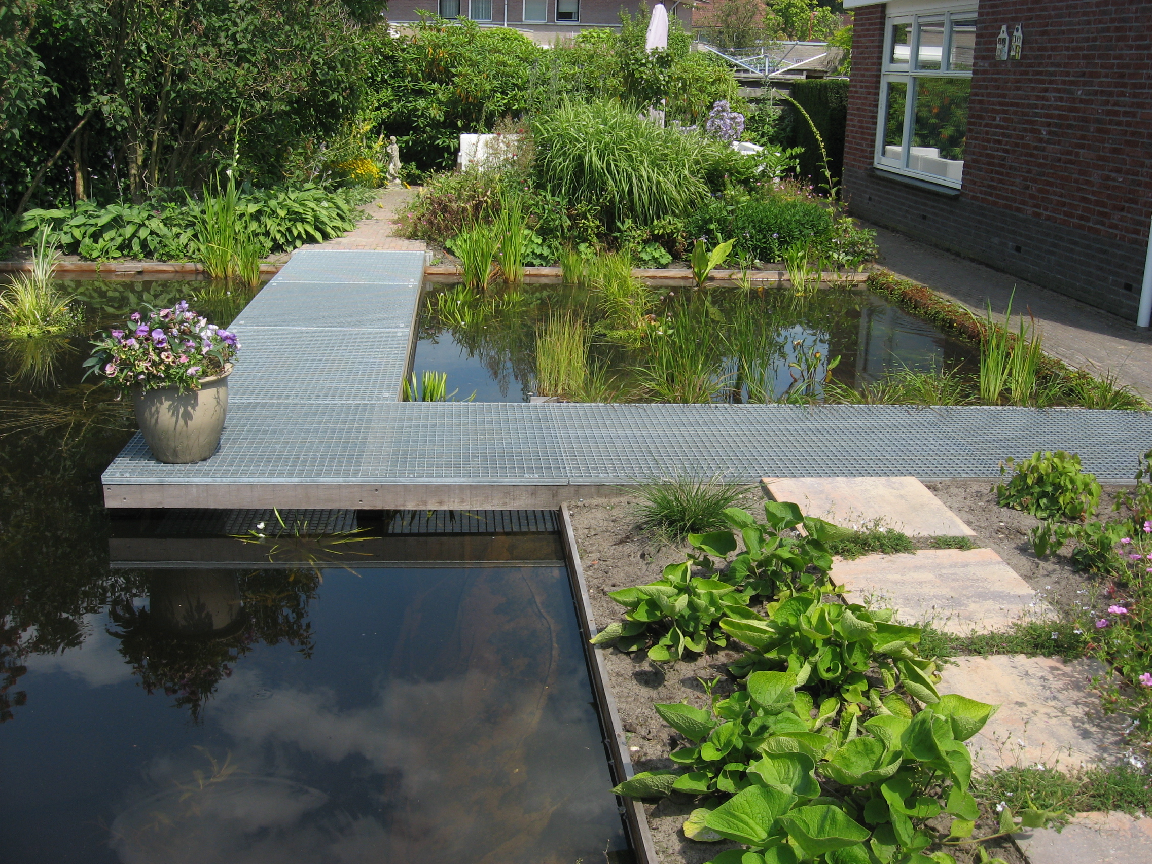 Van speelgazon naar grote vijver tuinfoto 39 s ter inspiratie - Idee van allee tuin ...