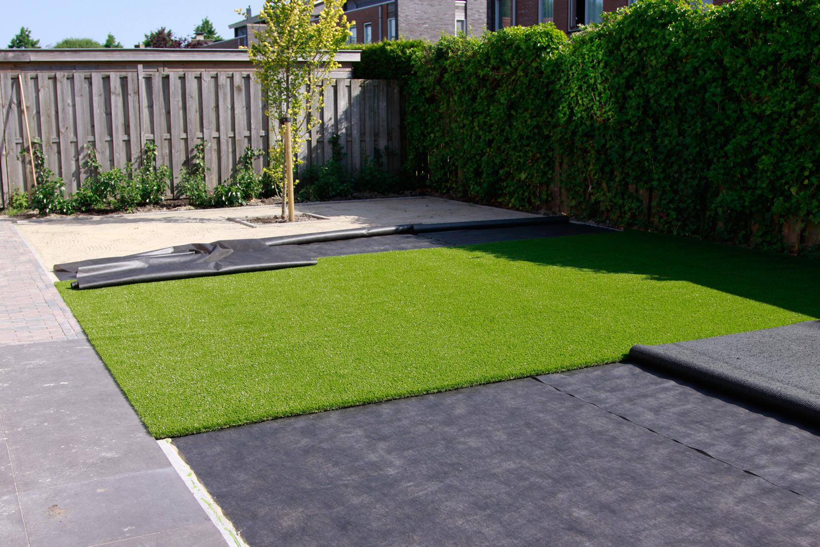 Tuin Aanleggen Ideeen : Gras in de tuin aanleggen amazing badkamer moderne tuin met