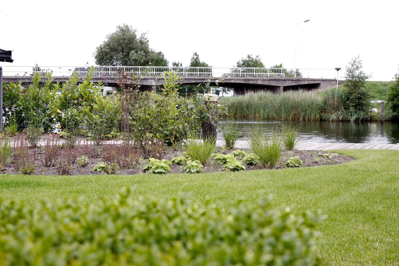 Engelse Landschapsstijl Tuin : Engelse landschapsstijl aan het water tuinfotos ter inspiratie